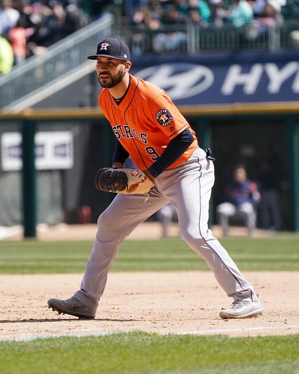 CHICAGO - APRIL 22:  Marwin Gonzalez #9 of the Houston Astros fields against the Chicago White Sox on April 22, 2018 at Guaranteed Rate Field in Chicago, Illinois.  (Photo by Ron Vesely)   Subject:   Marwin Gonzalez