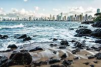 Cidade de Balneário Camboriú vista do Pontal Norte. Balneário Camboriú, Santa Catarina, Brasil. / City of Balneario Camboriu viewed from Pontal Norte. Balneario Camboriu, Santa Catarina, Brazil.