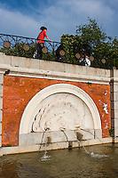 fountain in parque del retiro, madrid, spain