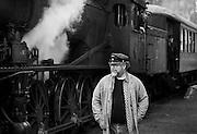 KRØDEREN 2016-08-21: Henrik B. Backer er mangeårig togentusiast og leder frivilligarbeidet på Krøderbanen museumsjernbane. FOTO:WERNERJUVIK