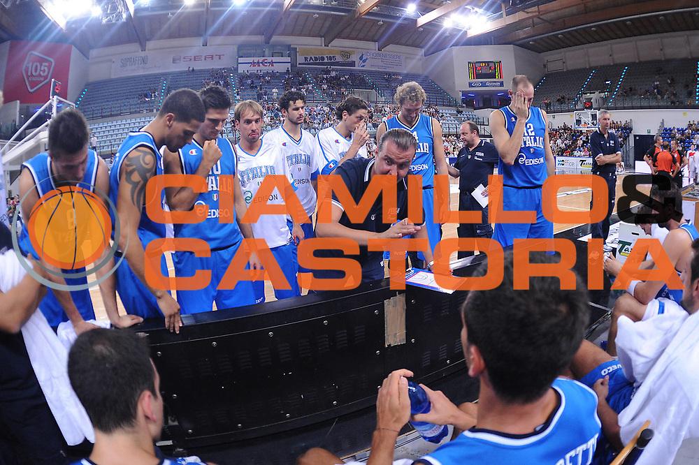 DESCRIZIONE : Rimini Trofeo Tassoni Italia Polonia Italy Poland<br /> GIOCATORE : Simone Pianigiani Team Italia<br /> CATEGORIA : timeout<br /> SQUADRA : Nazionale Italia Uomini <br /> EVENTO : Trofeo Tassoni<br /> GARA : Italia Polonia Italy Poland<br /> DATA : 13/08/2011<br /> SPORT : Pallacanestro<br /> AUTORE : Agenzia Ciamillo-Castoria/M.Marchi<br /> Galleria : Fip Nazionali 2011 <br /> Fotonotizia : Rimini Trofeo Tassoni Italia Polonia Italy Poland<br /> Predefinita :
