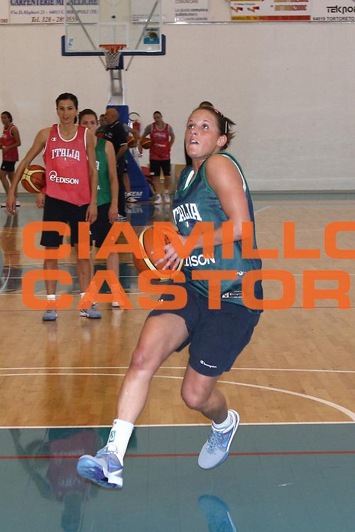 DESCRIZIONE : Alba Adriatica Raduno Collegiale Nazionale Femminile Allenamento<br /> GIOCATORE : Chiara Pastore<br /> SQUADRA : Nazionale Italia Donne<br /> EVENTO : Raduno Collegiale Nazionale Femminile <br /> GARA : <br /> DATA : 11/05/2009 <br /> CATEGORIA : Penetrazione<br /> SPORT : Pallacanestro <br /> AUTORE : Agenzia Ciamillo-Castoria/C.De Massis