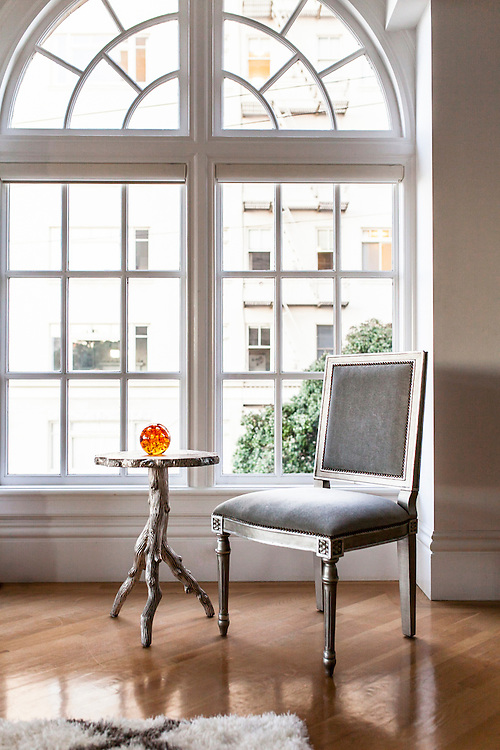 Large window, lone window seat, interior design. Kelly Vorves Photography