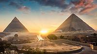 Zu den Pyramiden von Gizeh zählen die Cheops Pyramide, Chephren Pyramide und die Mykerinos Pyramide und auch die Große Sphinx von Gizeh.