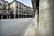 Spanje, Aragon, 11-2-2005De stad Teruel in het zuiden van Aragon. De regio, streek is arm en leidt aan leegloop. Het is een achtergesteld gebied. Men heeft tevergeefs geprobeerd te worden aangesloten op het spoornet van de hogesnelheidstrein.Foto: Flip Franssen/Hollandse Hoogte