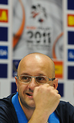 17.09.2011, Stadthalle, Wien, AUT, CEV, Europaeische Volleyball Meisterschaft 2011, Halbfinale, Italien vs Polen, im Bild Mauro Berruto, (ITA, Headcoach) // during the european Volleyball Championship Semi Final Italy vs Poland, at Stadthalle, Vienna, 2011-09-17, EXPA Pictures © 2011, PhotoCredit: EXPA/ M. Gruber