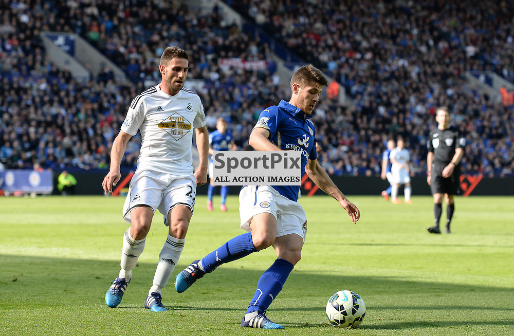 Kramaric brings the ball forward (c) Simon Kimber | SportPix.org.uk