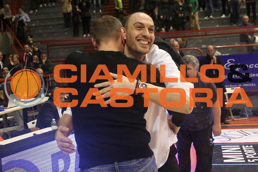 DESCRIZIONE : Campionato 2015/16 Giorgio Tesi Group Pistoia - Openjobmetis Varese<br /> GIOCATORE : Esposito Vincenzo<br /> CATEGORIA : Allenatore Coach Esultanza<br /> SQUADRA : Giorgio Tesi Group Pistoia<br /> EVENTO : LegaBasket Serie A Beko 2015/2016<br /> GARA : Giorgio Tesi Group Pistoia - Openjobmetis Varese<br /> DATA : 13/12/2015<br /> SPORT : Pallacanestro <br /> AUTORE : Agenzia Ciamillo-Castoria/S.D'Errico<br /> Galleria : LegaBasket Serie A Beko 2015/2016<br /> Fotonotizia : Campionato 2015/16 Giorgio Tesi Group Pistoia - Openjobmetis Varese<br /> Predefinita :