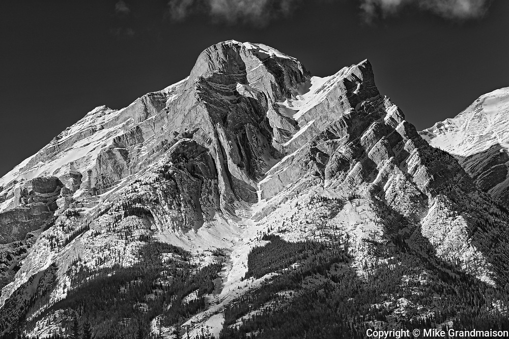 Canadian Rockies in winter. Mt. Kidd, Kananaskis Country, Alberta, Canada<br />