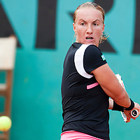 3 June 2009: Svetlana Kuznetsova of Russia eyes the ball as she prepares a backhand during the Women's single quarter final match on day eleven of the French Open at Roland Garros in Paris, France.