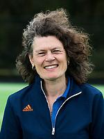 UTRECHT -  arts Carmen van der Pol. . Trainingsgroep Nederlands Hockeyteam dames in aanloop van het WK   COPYRIGHT  KOEN SUYK