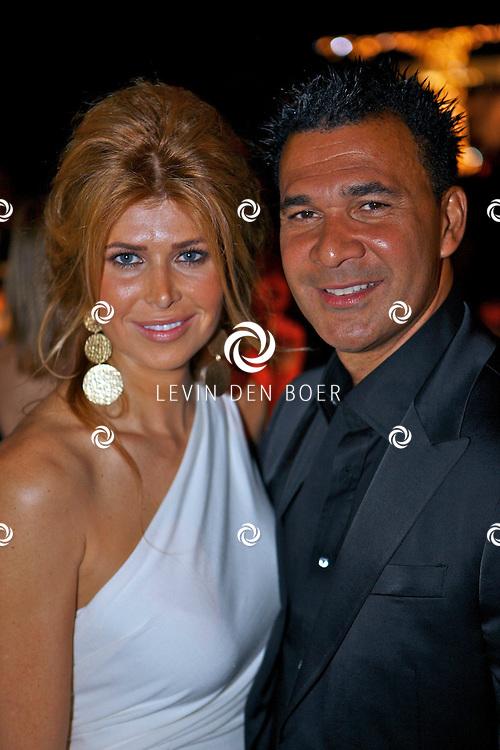 AMSTERDAM - In de Rai is de Miljonair Fair van start gegaan.  Met op de foto Ruud en vrouw Estelle Gullit. FOTO LEVIN DEN BOER - PERSFOTO.NU