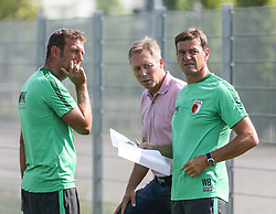 07.07.2015, Trainingsplatz, Augsburg, GER, 1. FBL, FC Augsburg, Training, im Bild nachdenkliche Gesicher bei (v.li.) Markus Weinzierl (Trainer FC Augsburg), Stephan Schwarz (FCA-scouting) und Wolfgang Beller (Co-Trainer FC Augsburg), // during a Traings Session of German Bundesliga Club FC Augsburg at the Trainingsplatz in Augsburg, Germany on 2015/07/07. EXPA Pictures © 2015, PhotoCredit: EXPA/ Eibner-Pressefoto/ Krieger<br /> <br /> *****ATTENTION - OUT of GER*****