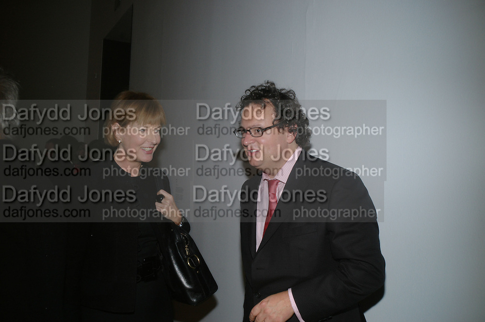 JULIA PEYTON-JONES AND IVAN WIRTH, Doris Salcedo  installation and Louise Bourgeois - private view. Dinner afterwards for the Louise Bourgeois exhibition. Tate Modern, London, SE1,-DO NOT ARCHIVE-© Copyright Photograph by Dafydd Jones. 248 Clapham Rd. London SW9 0PZ. Tel 0207 820 0771. www.dafjones.com.