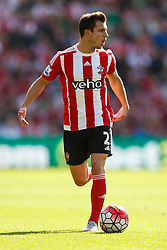 Southampton's Cedric Soares - Mandatory by-line: Jason Brown/JMP - 07966 386802 - 26/09/2015 - FOOTBALL - Southampton, St Mary's Stadium - Southampton v Swansea City - Barclays Premier League