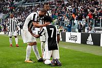 05.11.2017 - Torino - Serie A 2017/18 - 12a giornata  -  Juventus-Benevento nella  foto: Juan Cuadrado e Gonzalo Higuain esultano dopo il gol del 2 a 1