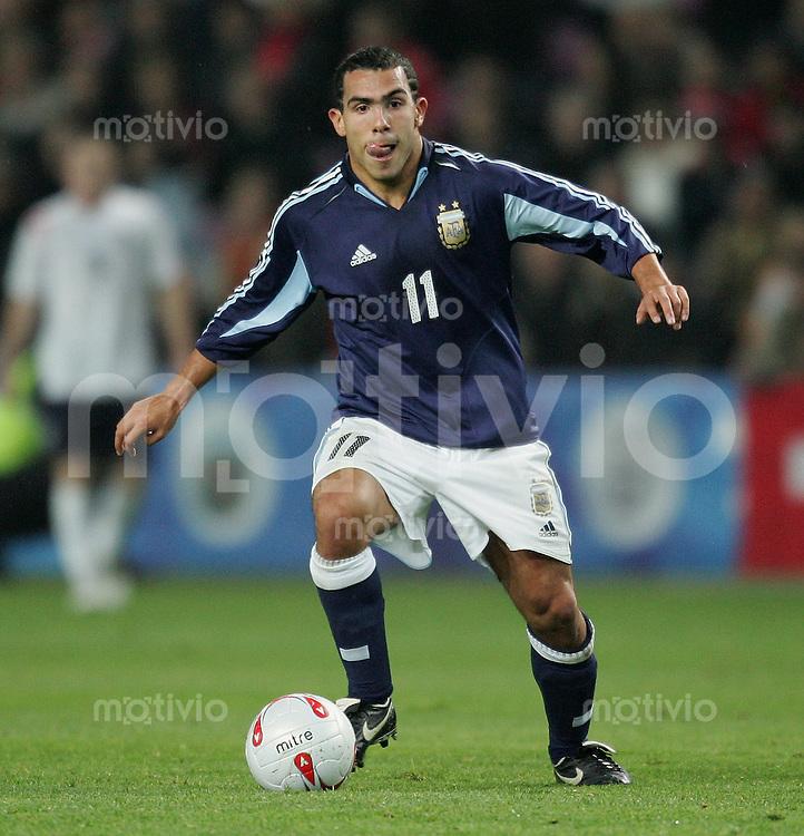 Fussball International Testspiel England 3-2 Argentinien Carlos teves (ARG) am Ball