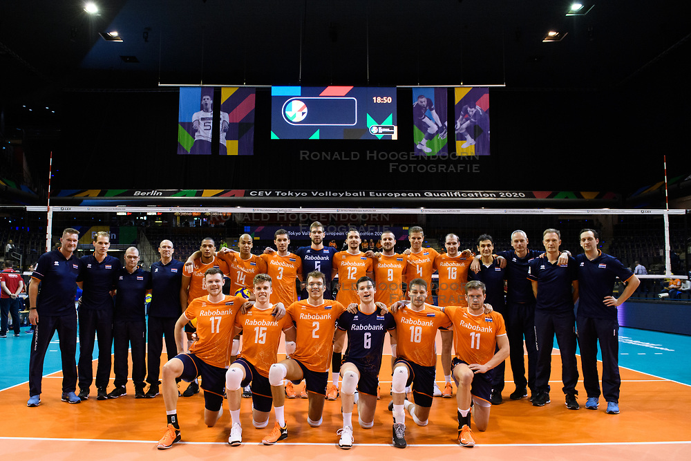 06-01-2020 NED: CEV Tokyo Volleyball European Qualification Men, Berlin<br /> Match Serbia vs. Netherlands 3-0 / Team Netherlands