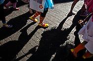 Caminata realizada por la Asociación Civil Doctor Yaso, Payasos de Hospital para celebrar cinco años llevando alegría a niños y niñas hospitalizados a nivel nacional. Caracas, 07 Feb. 2010. (ivan gonzalez)