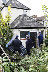 © Licensed to London News Pictures. 21/09/2017. London, UK. Police search teams begin working at a property on Thornton Heath, south London where a 17 year old was arrested last night. <br />