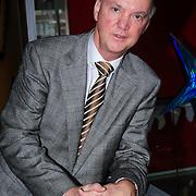 NLD/Naarden/20121210 - Louie van Gaal rijkt Gouden plaat uit aan Erik de Zwart , Louie van Gaal