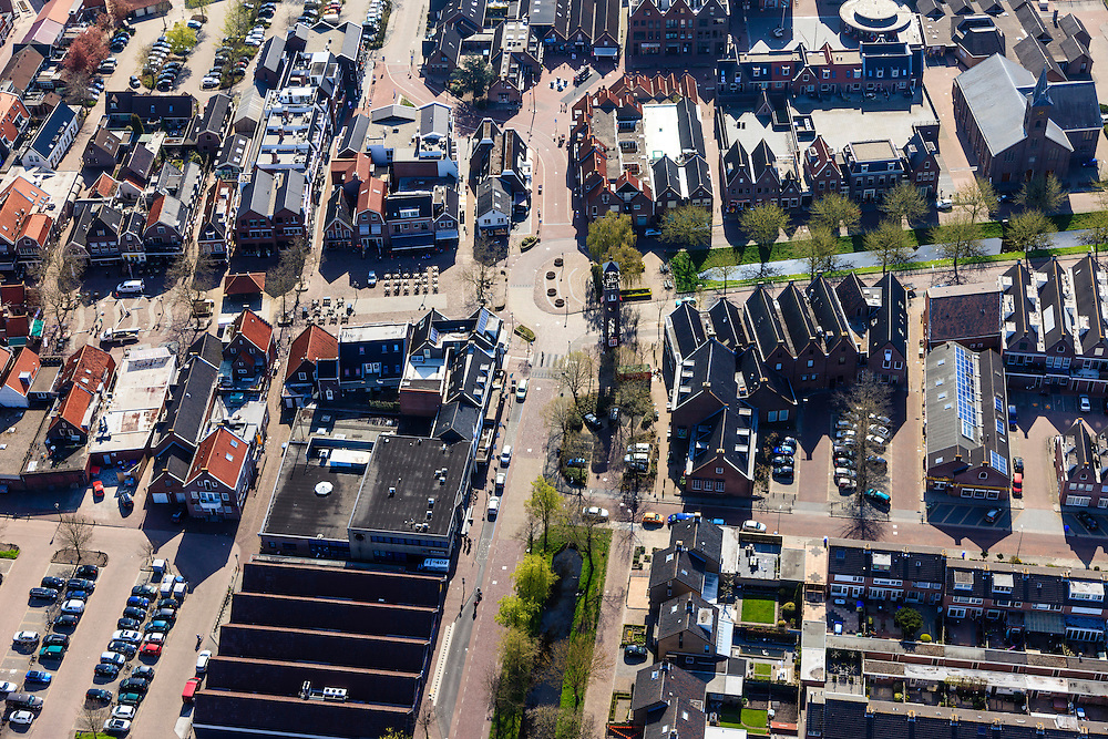 Nederland, Utrecht, Bunschoten-Spakenburg, 01-05-2013;<br /> Nieuwbouwwijk met huizen in oude stijl. <br /> New residential neighbourhood with old style houses. <br /> luchtfoto (toeslag op standard tarieven)<br /> aerial photo (additional fee required)<br /> copyright foto/photo Siebe Swart