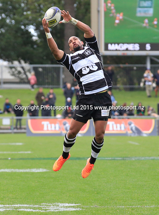 Ryan Tongia takes a high ball. Ranfurly Shield Challenge, ITM Cup, Hawkes Bay v Bay of Plenty, Napier, New Zealand. Saturday 19 September, 2015. Copyright photo: John Cowpland / www.photosport.nz