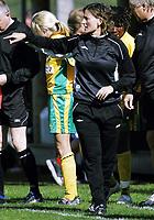 Fotball , 13. mai 2006, Toppserien kvinner , Liungen - Røa , Liungens trener Kjersti Thun Foto: Kasper Wikestad
