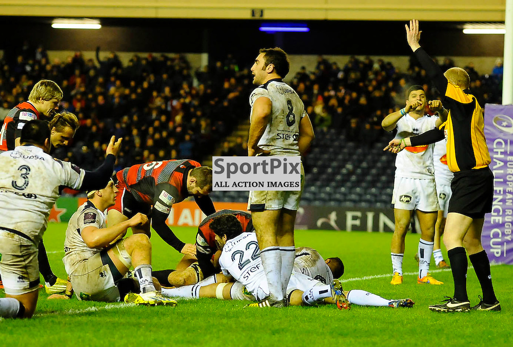 Ref Ian Davies signals to award Mike Coman a try during the Edinburgh Rugby v Agen European Challenge Cup game, ......(c) COLIN LUNN | SportPix.org.uk