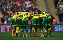 Norwich prepare for kick off, Middlesbrough v Norwich, Sky Bet Championship, Play Off Final, Wembley Stadium, Monday  25th May 2015