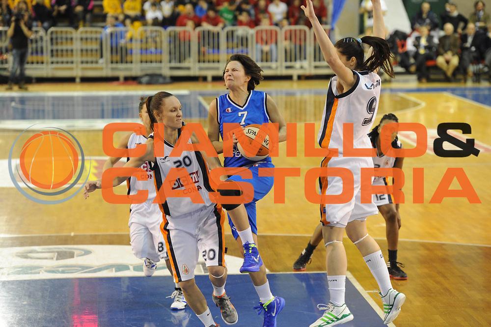 DESCRIZIONE : Parma All Star Game 2012 Donne Torneo Ocme Lega A1 Femminile 2011-12 FIP <br /> GIOCATORE : Giorgia Sottana<br /> CATEGORIA : penetrazione<br /> SQUADRA : Nazionale Italia Donne <br /> EVENTO : All Star Game FIP Lega A1 Femminile 2011-2012<br /> GARA : Ocme All Stars Italia<br /> DATA : 14/02/2012<br /> SPORT : Pallacanestro<br /> AUTORE : Agenzia Ciamillo-Castoria/GiulioCiamillo<br /> GALLERIA : Lega Basket Femminile 2011-2012<br /> FOTONOTIZIA : Parma All Star Game 2012 Donne Torneo Ocme Lega A1 Femminile 2011-12 FIP <br /> PREDEFINITA :