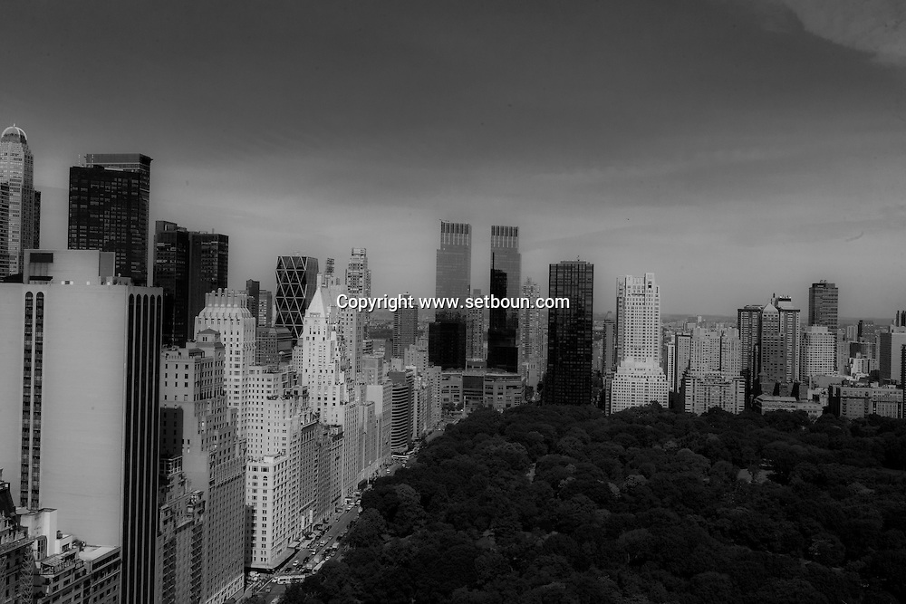 New York. elevated view. Manhattan skyline, skyscrapers of central park south. Foster .  Time warner twin towers.  New York - United states / le skyline de Manhattan. la ligne des gratte-ciel de central park south sud  New York - Etats unis