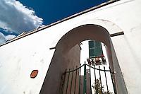"""Castro Marina - Salento - Puglia - Abitazione con Arco nella zona """"Grotta del Conte""""."""