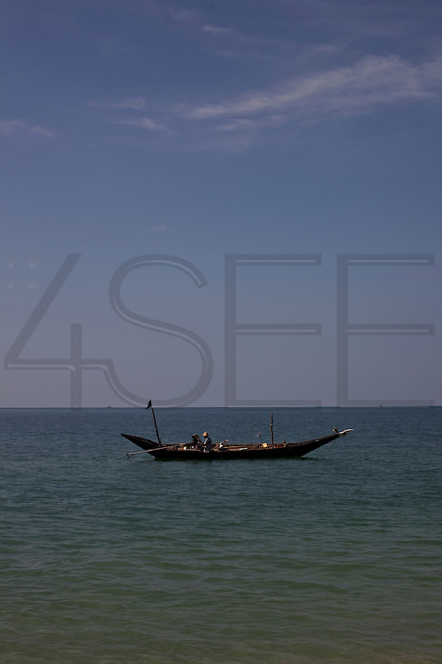 Fishermans boat near the Village of Maungmagan, Burma.<br />