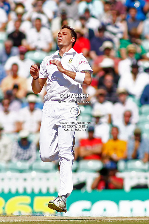 23/07/2012 London, England. South Africa's Dale Steyn during the Investec cricket international test match between England and South Africa, played at the Kia Oval cricket ground: Mandatory credit: Mitchell Gunn