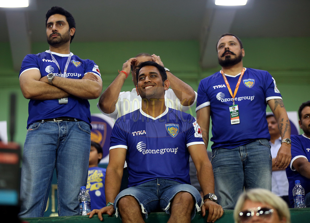 Actor Abhishek Bachchan owner of Chenaiyin FC and MS Dhoni co owner of Chennaiyin and Bunty walia during match 15 of the Hero Indian Super League between Chennaiyin FC and Mumbai City FC held at the Jawaharlal Nehru Stadium, Chennai, India on the 28th October 2014.<br /> <br /> Photo by:  Sandeep Shetty/ ISL/ SPORTZPICS