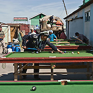 Mongolia. market  of the steppe . Billard . in  Hahorin -    /  marche de la steppe. billard  Karakorum - Mongolie  /  L0009356