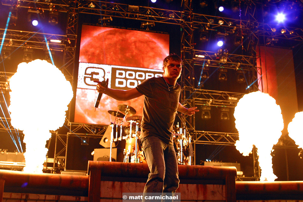 TINLEY PARK, IL - July 10: 3 Doors Down perform with Nickelback on the 2004 Summer Rock Tour at the Tweeter Center Chicago. (Photo by Matt Carmichael/Getty Images)