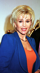 Actress SALLY FARMILOE, friend of Lord Archer, at an exhibition in London on 21st March 2000.OCD 31<br /> © Desmond O'Neill Features:- 0208 971 9600<br />    10 Victoria Mews, London.  SW18 3PY  photos@donfeatures.com