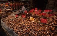 Hong Kong. market   western district   / marche  western district     /     L1701  /  R00073  /  P115227