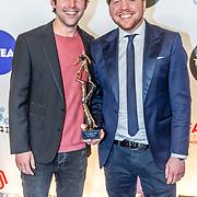 NLD/Amsterdam/20170328 - Uitreiking Tv Beelden 2017, winnaar beste amusement MINDF*CK, Victor Midz en Oscar Verpoort