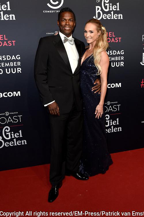 Rode loper Roast of Giel.  In het programma van Comedy Central is een bekende Nederlander een avond lang het onderwerp van harde grappen.<br /> <br /> Op de foto:  Remy Bonjasky met partner Renate