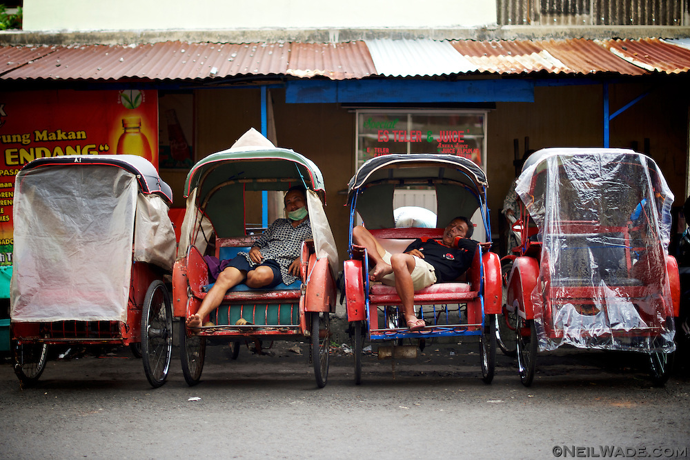 You often see becak drivers longing around markets, bus stations, and corners waiting for clients.