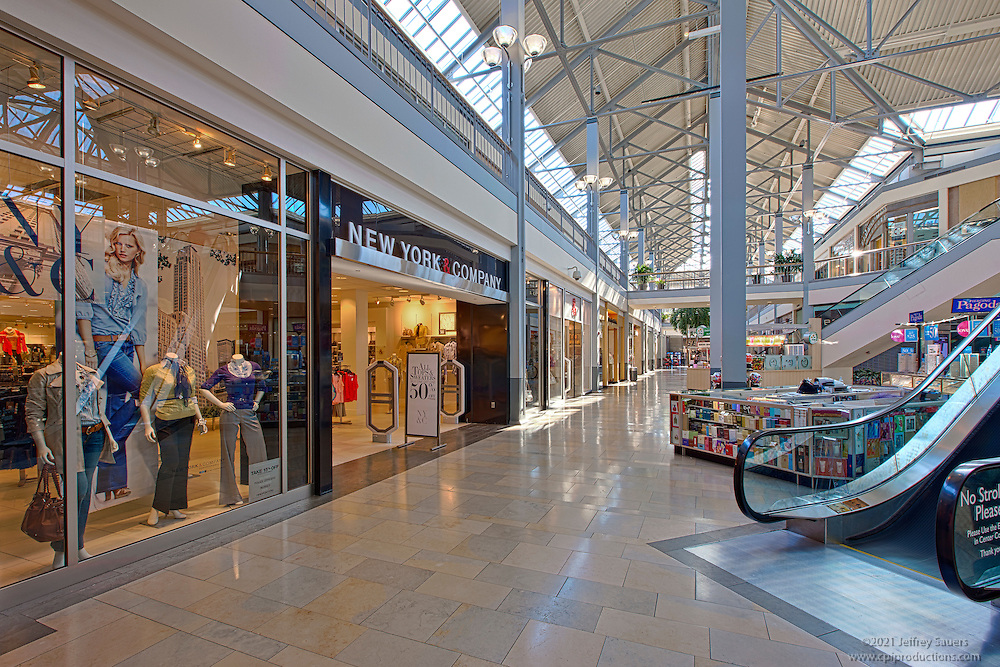 White Marsh Mall Interior Image Of Retail Space Architectural Photo Artistry By Jeffrey Sauers