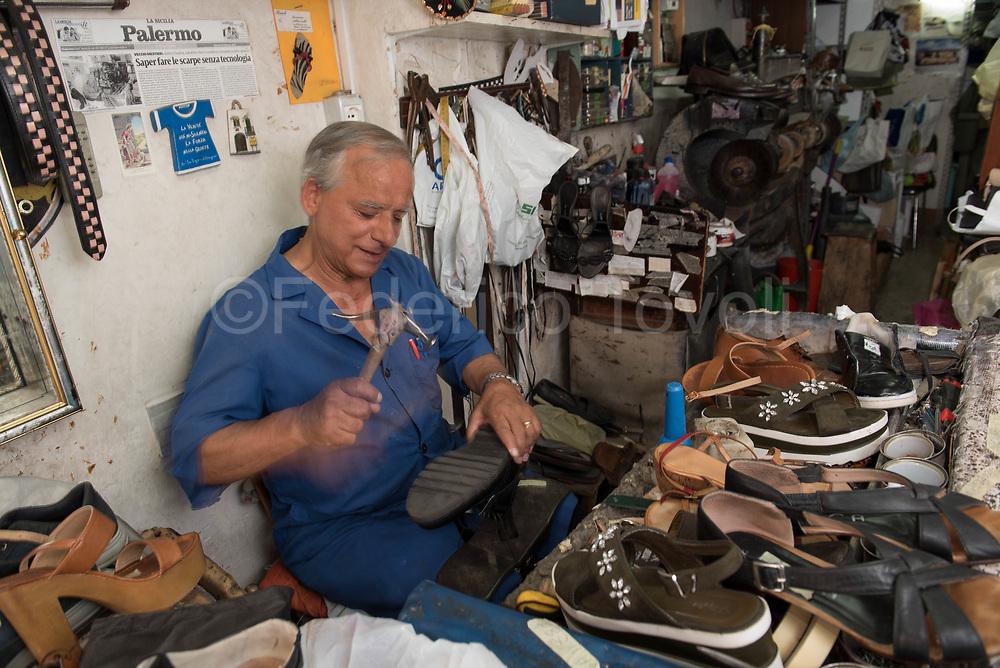 Antimo, shoemaker in the Ballarò market