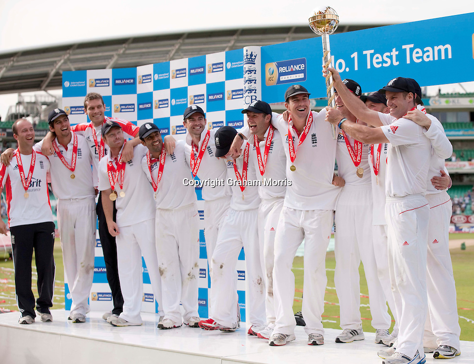 England captain Andrew Strauss holds the ICC Test Championship Mace after beating India 4-0 at the Oval, London.  Photo: Graham Morris (Tel: +44(0)20 8969 4192 Email: sales@cricketpix.com) 22/08/11