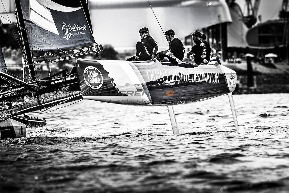2015 Extreme Sailing Series - Act 5 - Hamburg.<br /> The Wave, Muscat skippered by Leigh McMillan (GBR) and crewed by Sarah Ayton (GBR), Pete Greenhalgh (GBR), Ed Smyth (NZL), Nasser Al Mashari (OMA).<br /> Credit Jesus Renado.