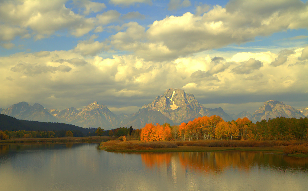 Mt.Moran and the northern tetons are the backdrop over the course of Autumn Colors 2011.
