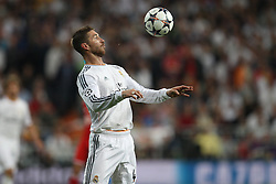 23.04.2014, Estadio Santiago Bernabeu, Madrid, ESP, UEFA CL, Real Madrid vs FC Bayern Muenchen, Halbfinale, Hinspiel, im Bild am Ball Sergio Ramos #4 (Real Madrid) // during the UEFA Champions League Round of 4, 1st Leg Match between Real Madrid vs FC Bayern Munich at the Estadio Santiago Bernabeu in Madrid, Spain on 2014/04/24. EXPA Pictures © 2014, PhotoCredit: EXPA/ Eibner-Pressefoto/ Kolbert<br /> <br /> *****ATTENTION - OUT of GER*****