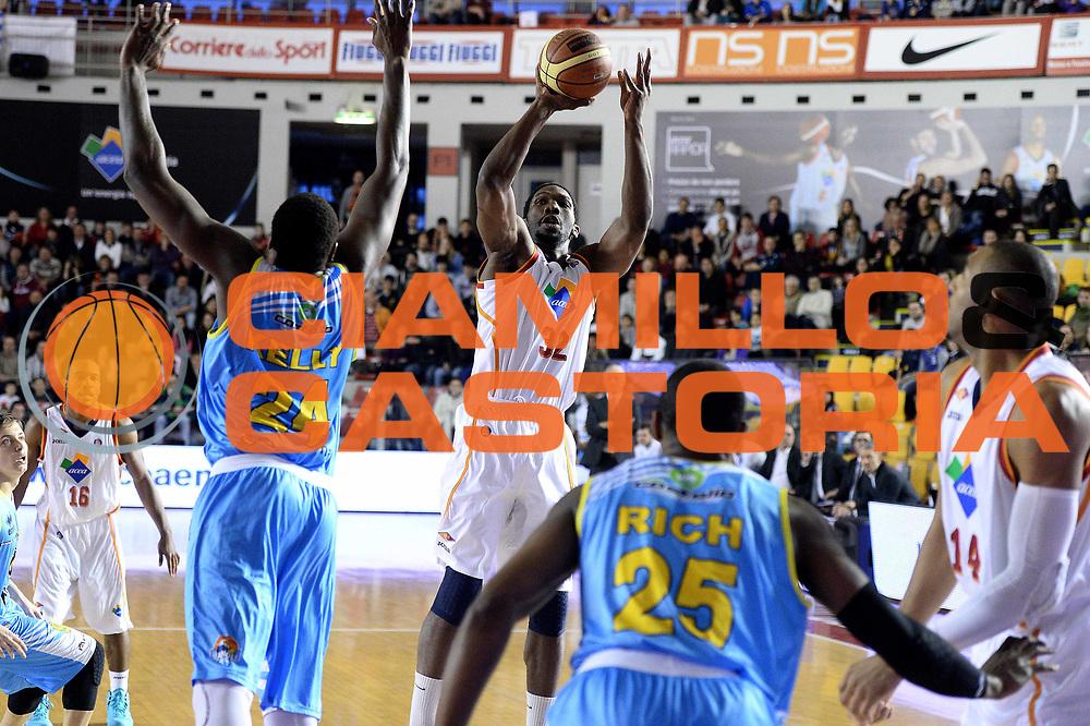 DESCRIZIONE : Roma Lega serie A 2013/14 Acea Virtus Roma Vanoli Cremona<br /> GIOCATORE : mbakwe trevor<br /> CATEGORIA : tiro  composizione<br /> SQUADRA : Acea Virtus Roma Vanoli Cremona<br /> EVENTO : Campionato Lega Serie A 2013-2014<br /> GARA : Acea Virtus Roma Vanoli Cremona<br /> DATA : 09/03/2013<br /> SPORT : Pallacanestro<br /> AUTORE : Agenzia Ciamillo-Castoria/M.Greco<br /> Galleria : Lega Seria A 2013-2014<br /> Fotonotizia : Roma, Lega serie A 2013/14 Acea Virtus Roma Vanoli Cremona<br /> Predefinita :